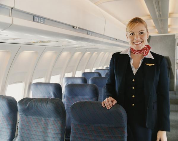 Condiciones laborales de auxiliares de vuelo en Colombia